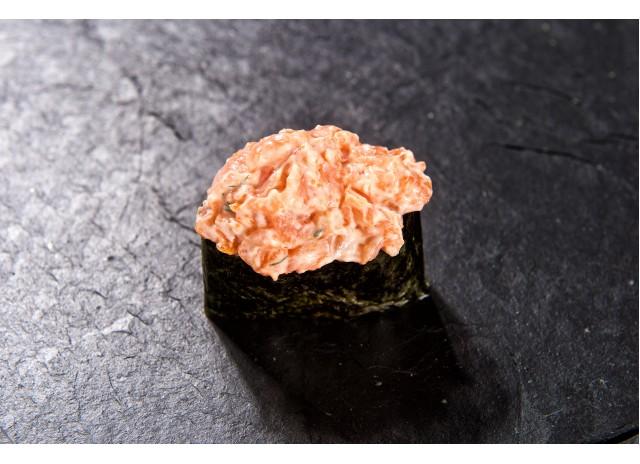 Спайси Гункан (Жареный лосось)
