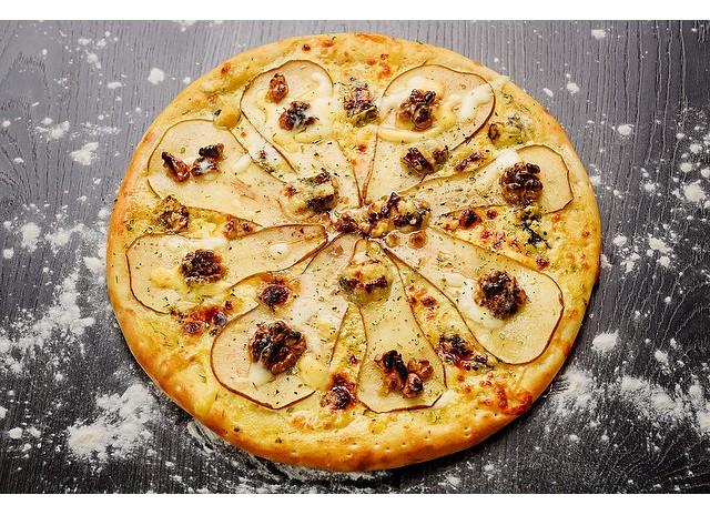 Пицца с грушей и Дорблю
